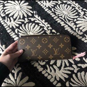 Make An Offer 💕 Louis Vuitton Clemence Wallet